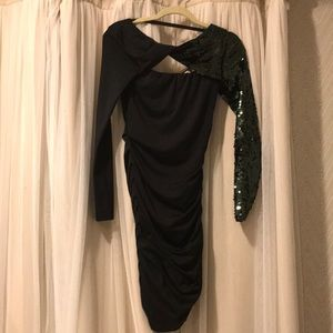 Black ruched dress w/ green sequin sleeve size xs